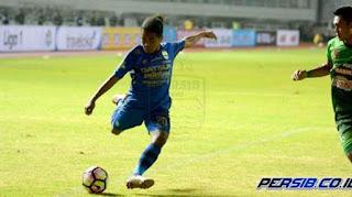 Video Gol Billy Keraf - Persegres Gresik vs Persib Bandung 0-1