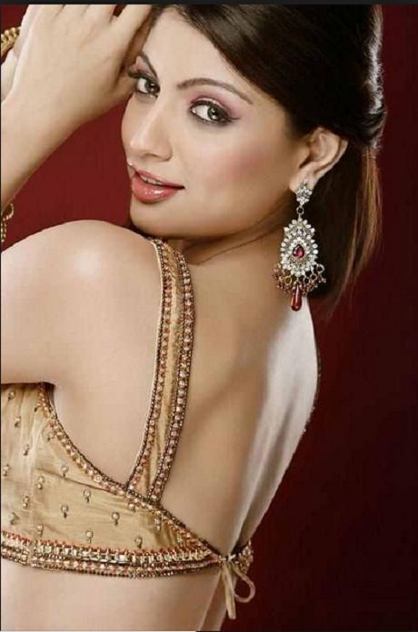 Pakistani Hot Actress Mahira Khan Bikini Photo - Zero Actress-6945