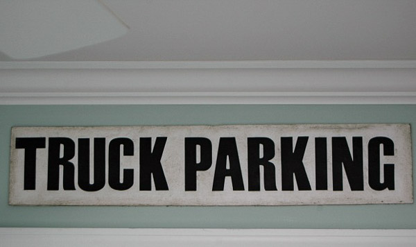 An easy way to make affordable vintage signs
