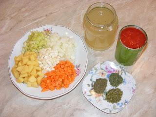 retete cu legume bors si plante aromatice pentru gatit, ingrediente pentru ciorbe si borsuri,