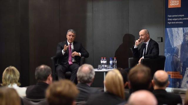 """Duque rechaza una intervención, pero pide """"aislar"""" a Venezuela"""