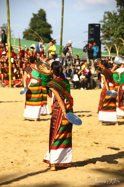 Kachari tribe women perform plate dance in tradition dress 2