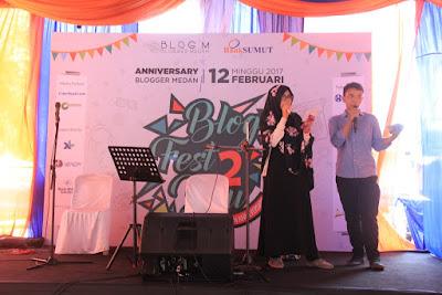 MC Funnya dan Nikmal membuka acara.