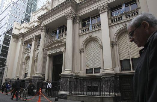 Sube la deuda: Macri emite bonos por 12 mil millones de pesos