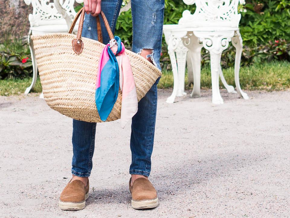 summer-trends-2018-basket-bag-silk-scarf