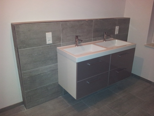 ein haus f r uns einrichtungs garten und baublog waschbecken und armaturen sind da. Black Bedroom Furniture Sets. Home Design Ideas