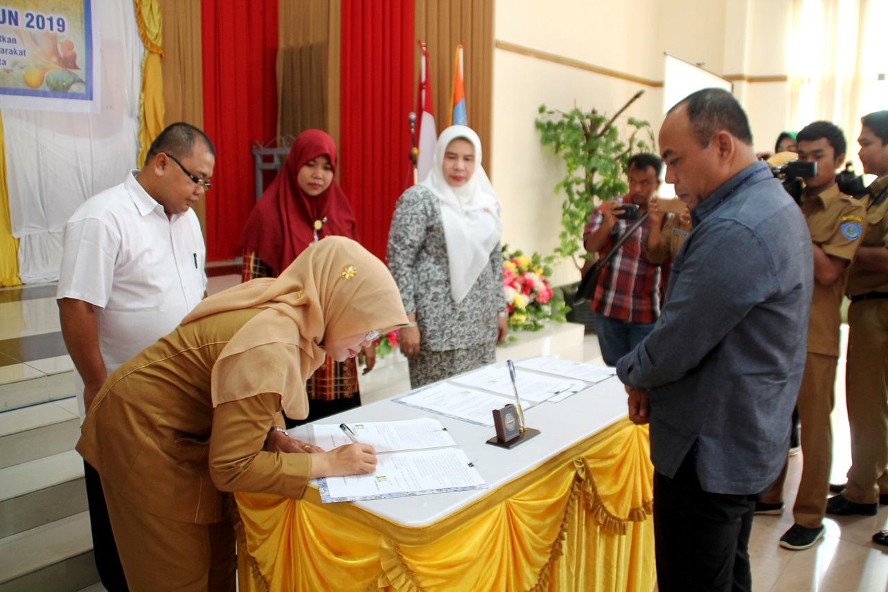 Plt. Bupati Labuhanbatu Saksikan Penandatanganan MoU DPPKB