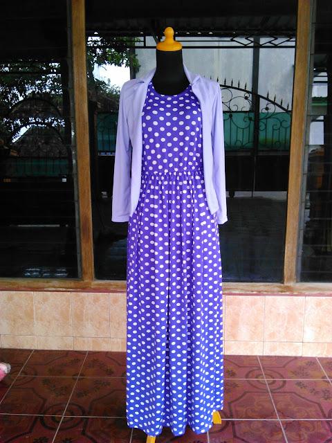 Model Dress Gamis Polkadot Warna Biru Wanita Muslim