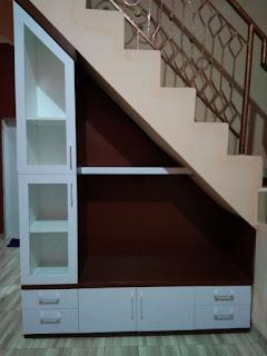 Lemari bawah tangga Minimalis