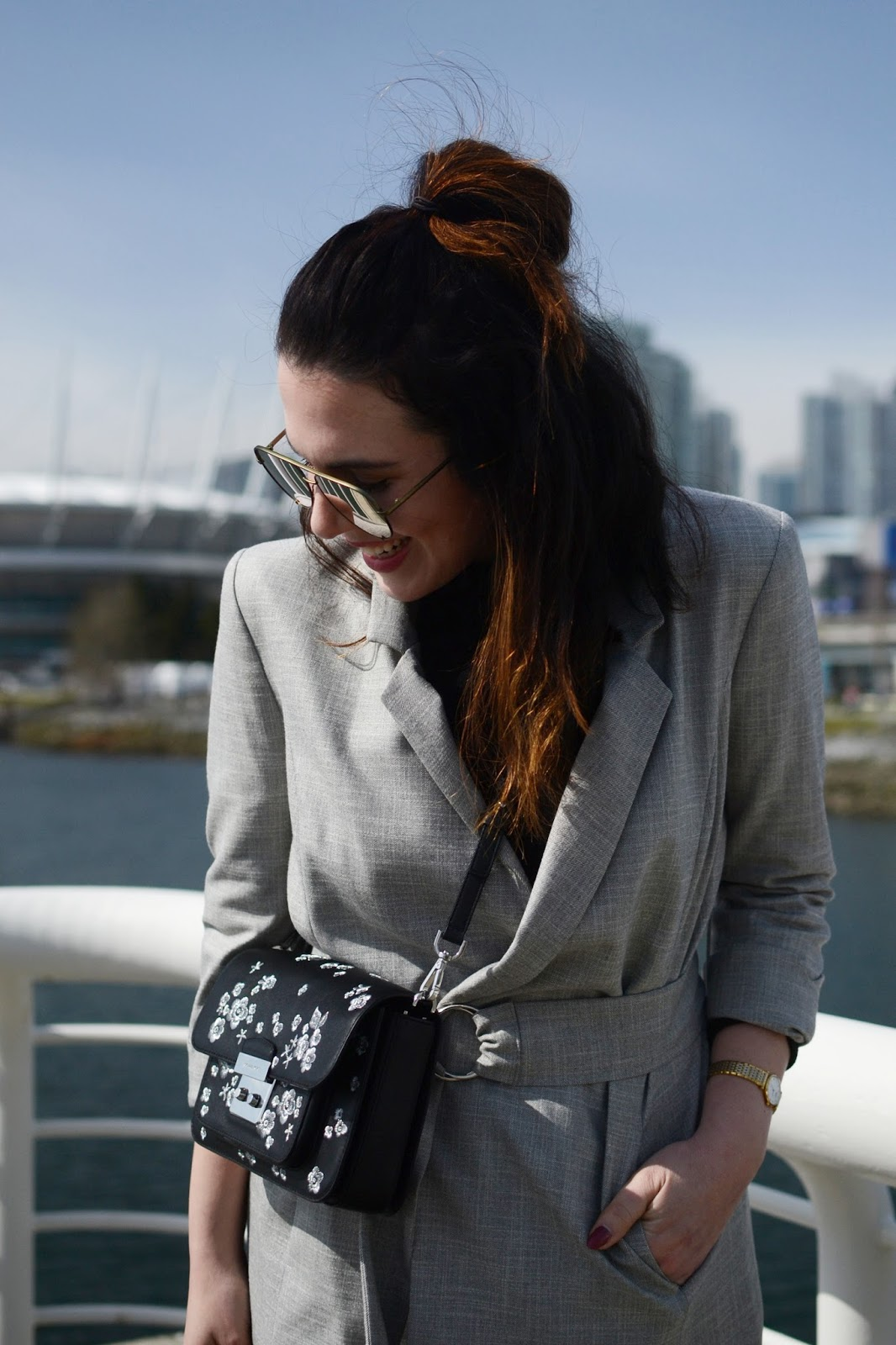 Le Chateau belted blazer outfit levis wedgie jeans velvet ankle boots michael kors editors bag vancouver fashion blogger quay high key sunglasses