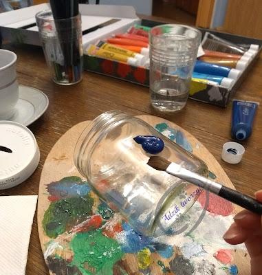 DIY skarbonka ze słoika - jak ozdobić