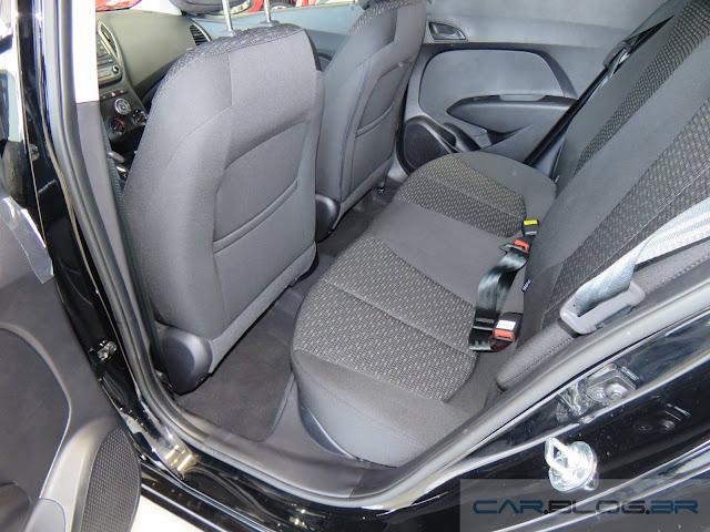 Hyundai HB20 Comfort 2017 - espaço traseiro