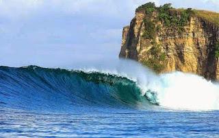 http://www.bromomalang.com/2015/11/pantai-plengkung-atau-g-land-banyuwangi.html