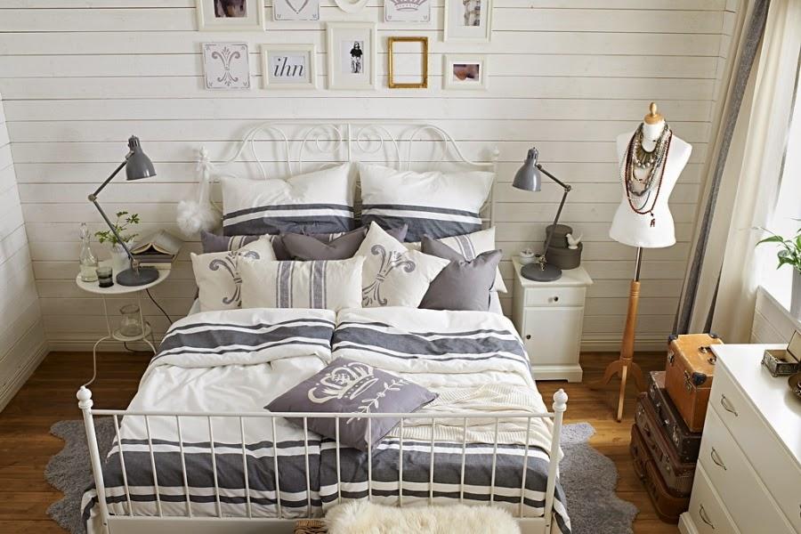 Świeże, przytulne wnętrze w bieli i szarości, wystrój wnętrz, wnętrza, urządzanie domu, dekoracje wnętrz, aranżacja wnętrz, inspiracje wnętrz,interior design , dom i wnętrze, aranżacja mieszkania, modne wnętrza, IKEA, białe wnętrza, szarości, szary, styl skandynawski, scandinavian style, sypialnia, łóżko