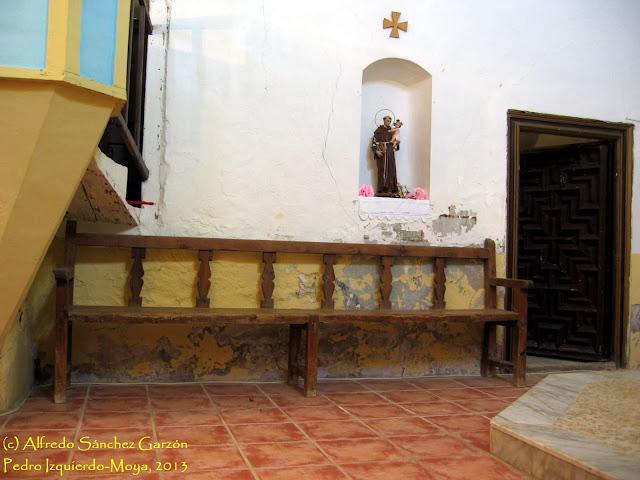 pedro-izquierdo-iglesia-banco-sacristia