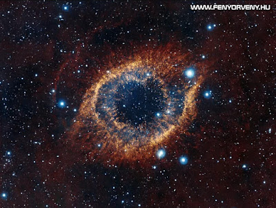 A világegyetem Isten lényét tükrözi