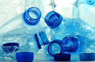 تحذير اعادة إستخدام زجاجات المياه المعدنية يؤدى للوفاة