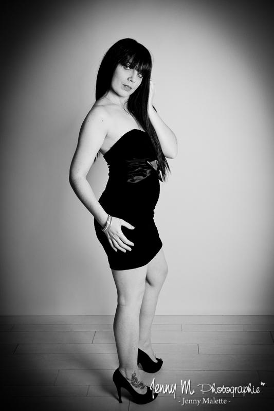 portrait femme en studio book shooting modèle sexy