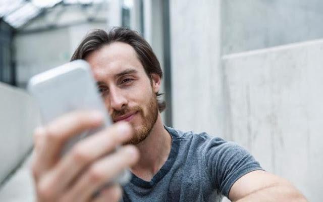 Hanya melihat pada telefon pintar anda menjadikan anda kurang pintar