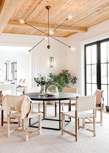 Beach dining room with exposed ceiling Tamara Magel via belle vivir blog