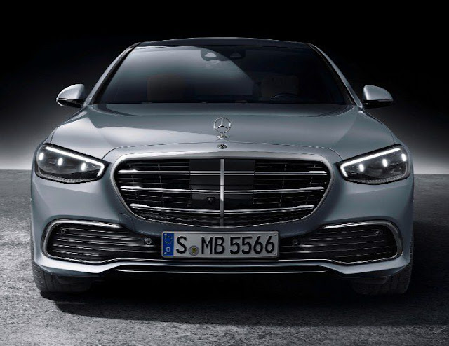 2021-mercedes-s-class-headlights-emblem-and-excellent-grill