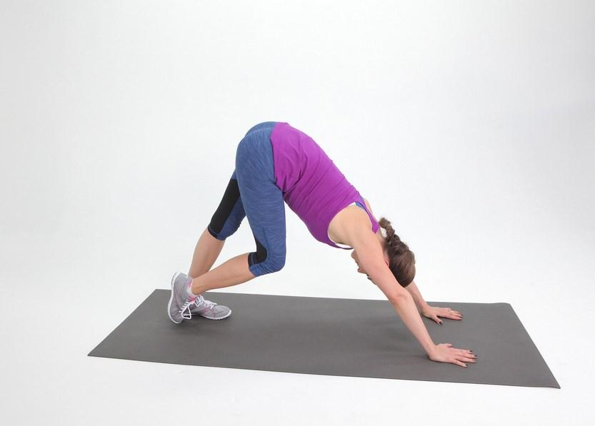 Yoga Downward ibu hamil