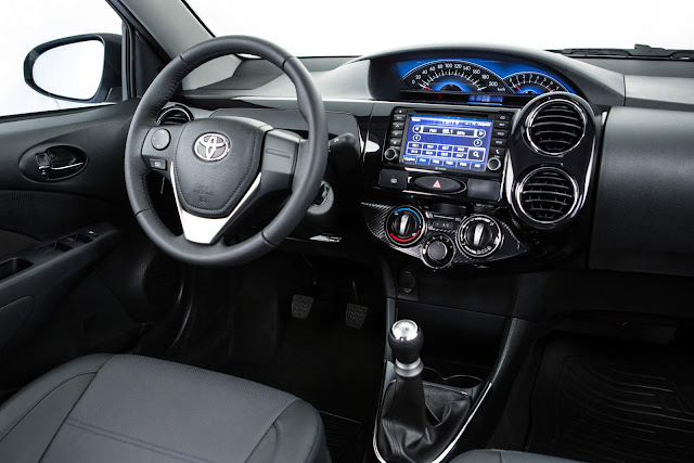 Toyota Etios White Pack 2016 - interior