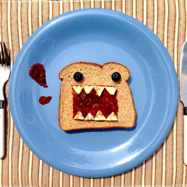Playing with food - Domo Kun Toast