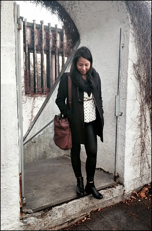 Outfit of the week: faux leather leggings