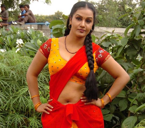 Cute Celebs Girl Pictures: Hot Sexy Mallu Masala Actress