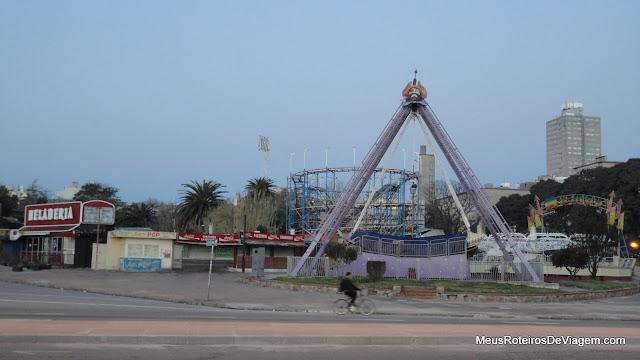 Parque de diversões no Parque Rodó - Montevidéu, Uruguai