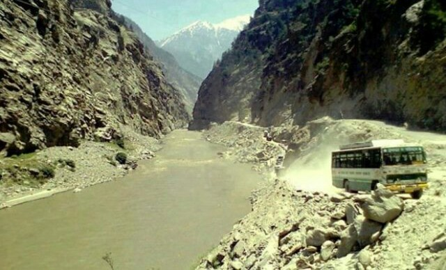 Hrtc-bus-from-Lahaul-to-Manali-via-Rohtang