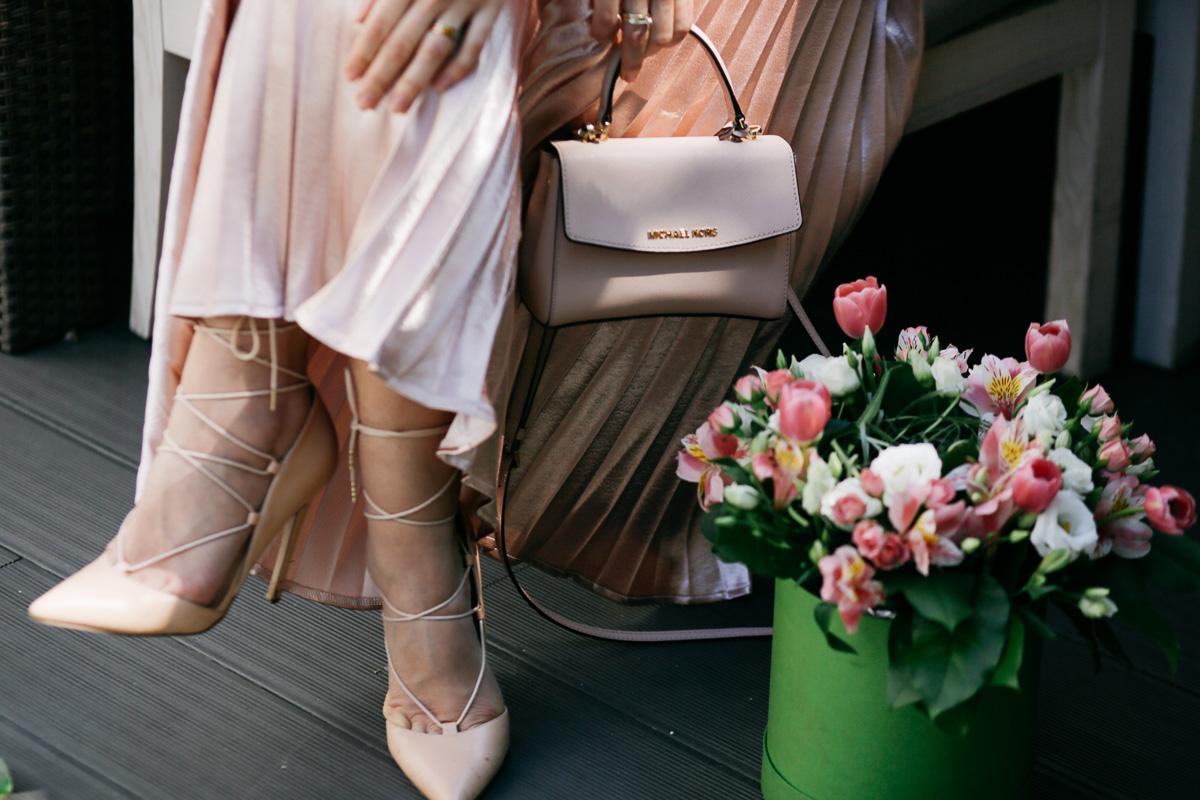 обувь на завязках