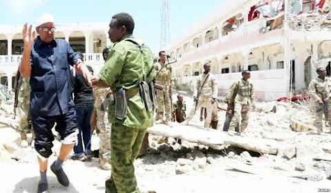 Car bomb kills 22 near presidential palace.