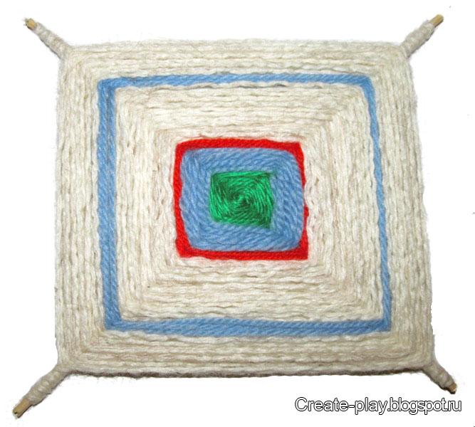 мандала плетет ребенок