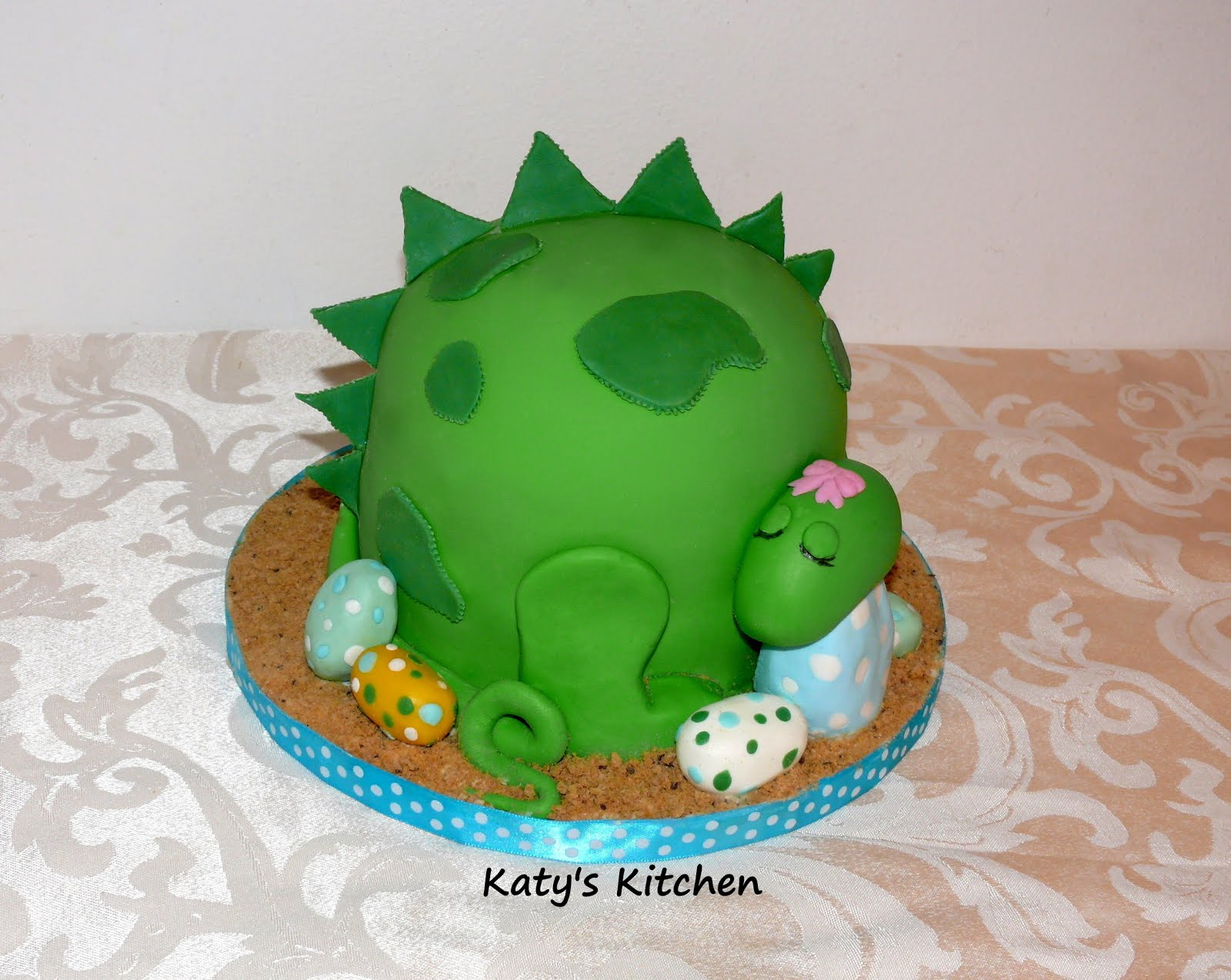 Katys Kitchen Dinosaur Baby Shower Cake And Cupcakes