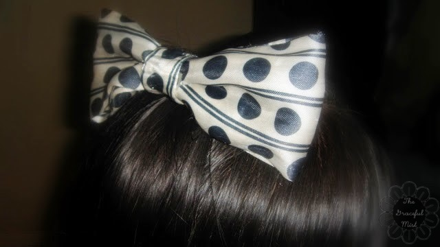 Do-It-Yourself - Recycled Bows (Review at www.TheGracefulMist.com)