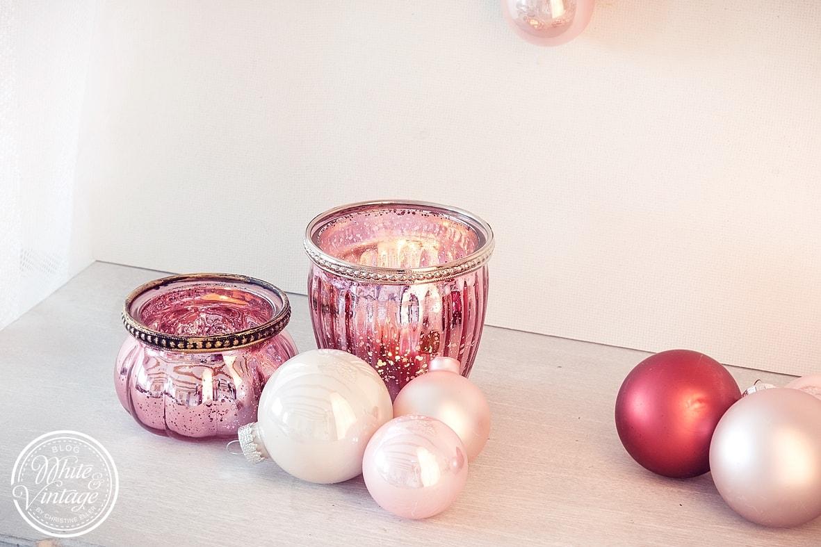 Geschenkidee zum Valentinstag: DIY Geschenk Valentinsherz aus Weihnachtskugeln basteln