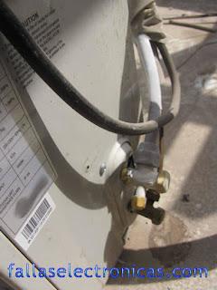congela el tubo de aire acondicionado