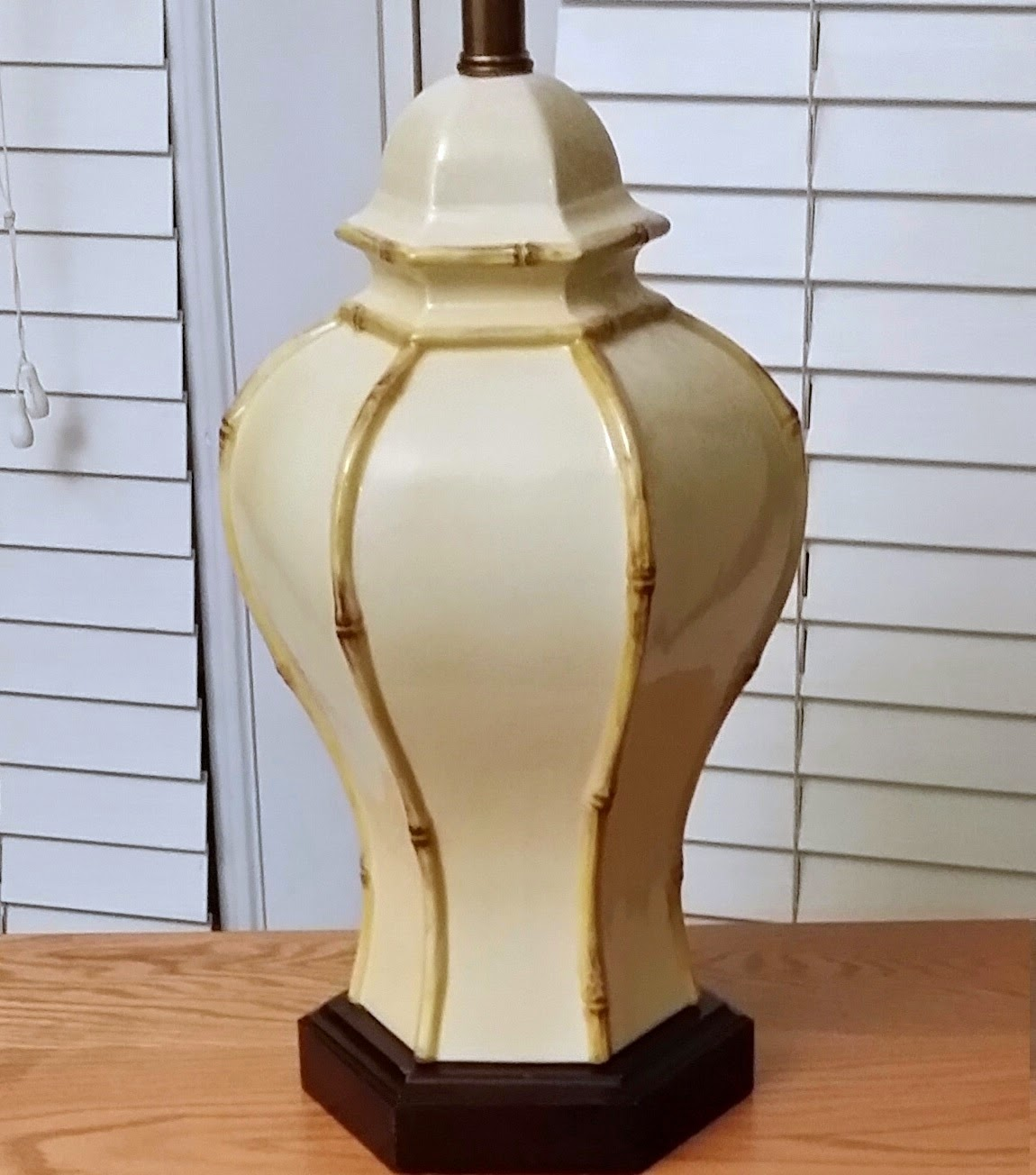 White Hollywood Regency Faux Bamboo Vintage Lamp (OKC Craigslist Garage Sales) $90