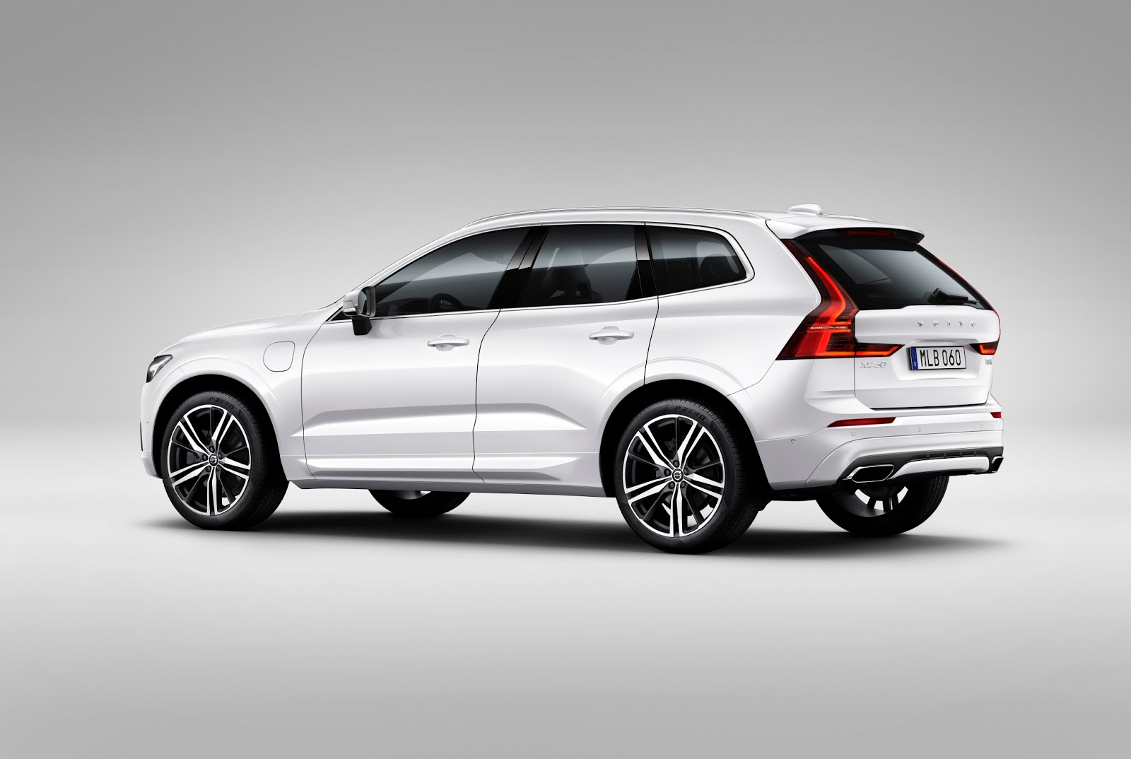 13 XC60 Crystal White T8 RDesign Είναι αυτό το ασφαλέστερο αυτοκίνητο ever; Volvo, Volvo XC60, zblog