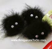 http://www.amigurumitogo.com/2014/12/totoro-catbus-amigurumi-patterns-free.html
