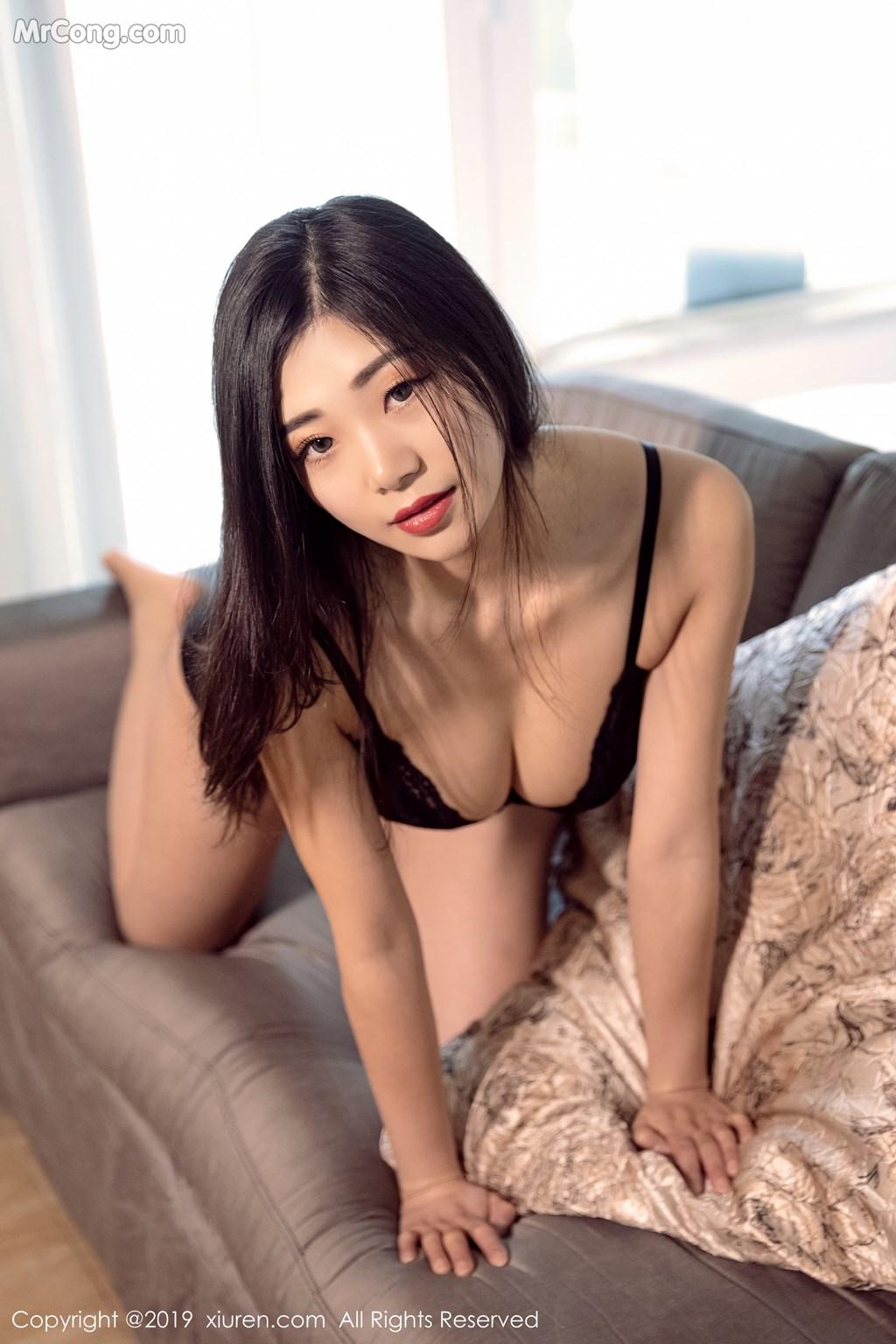 Image XIUREN-No.1327-KiKi-MrCong.com-004 in post XIUREN No.1327: 宋-KiKi (44 ảnh)