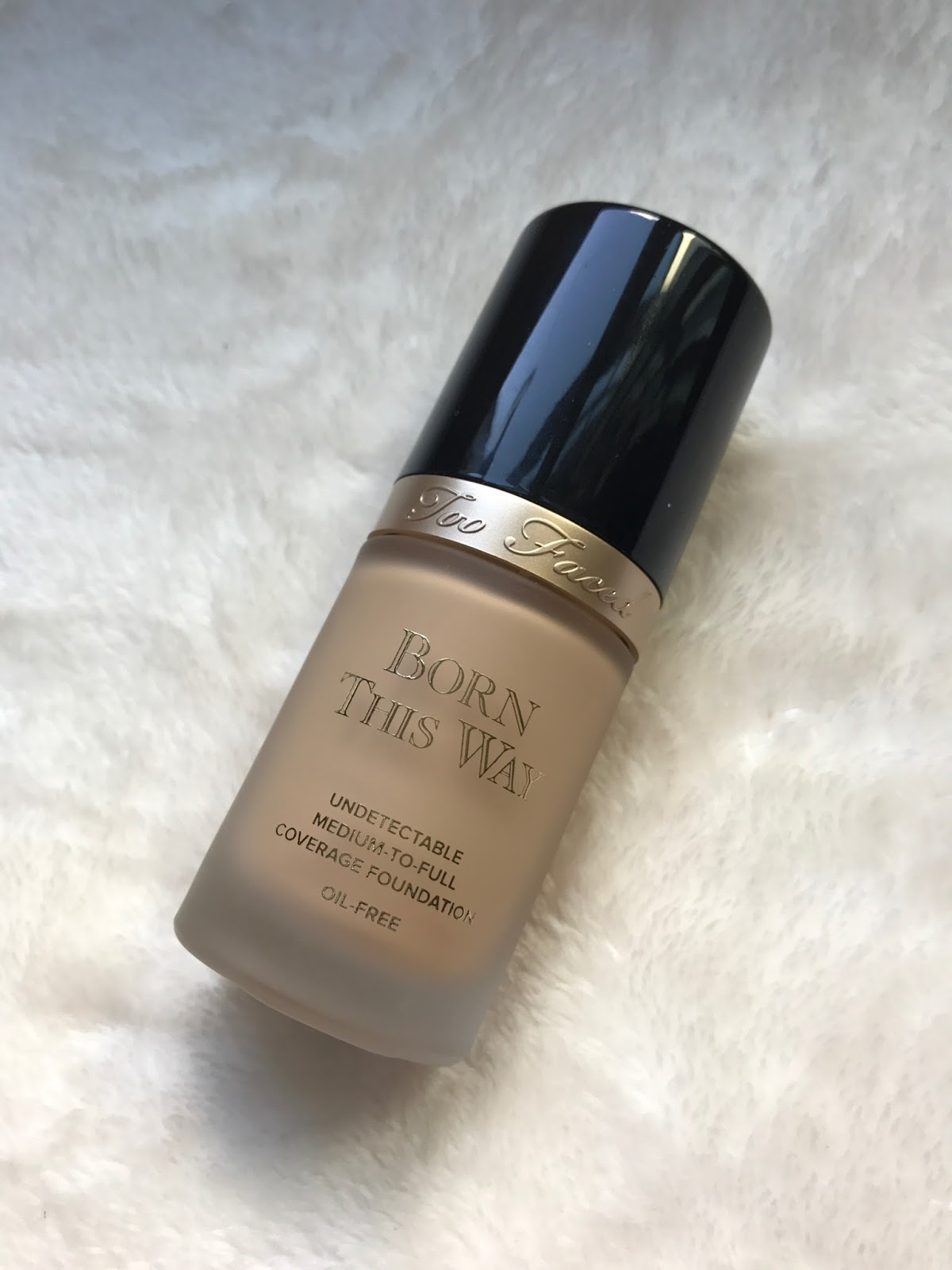 Beauty continued are you using the right foundation if you have oily skin most liquid foundations will look too shiny and youll find yourself constantly reaching for blotting powder throughout the day solutioingenieria Choice Image