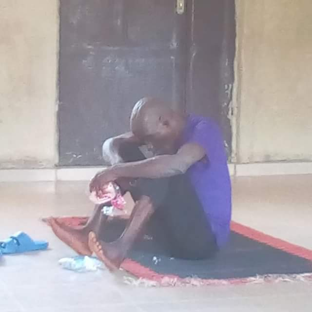 Photos: Mad man who had been roaming the street of Ikole-Ekiti for ten year