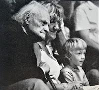 Melchior Wańkowicz z autorką i jej synkiem