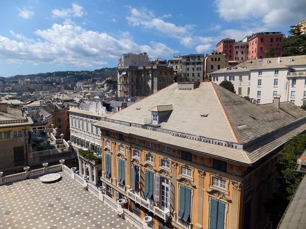 gênes genova via garibaldi strada nuove palazzi dei rolli palazzo rosso vue panorama bianco