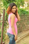 Aarthi glamorous photo gallery-thumbnail-18