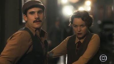 Alfredo (Nicolas Prattes) e Adelaide (Joana de Verona) em Éramos Seis (Foto: Reprodução)