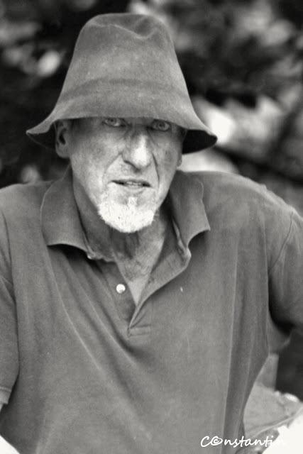 Meşterul Toader Ignãtescu - initiatorul si organizatorul Taberei de la Pãltinoasa - blog Foto-Ideea